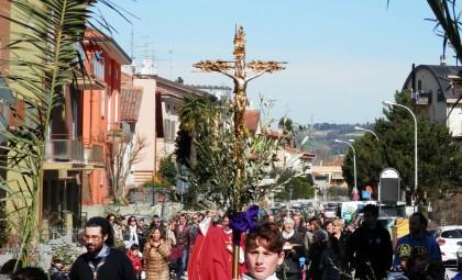 """""""La Pasqua deve essere segno di speranza"""": venerdì la Via Crucis da Santa Veneranda"""