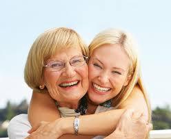 Anziani non autosufficienti: da lunedì le domande per gli assegni di cura