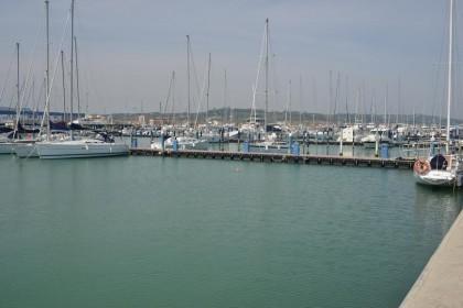 """Dragaggio, Coomarpesca: """"Non possiamo più fare rifornimento di carburante al catamarano Andrea"""""""
