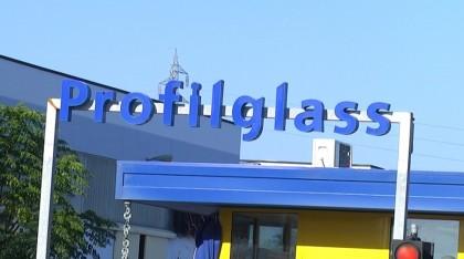Operaio della Profilglass precipita dal tetto e muore sul colpo