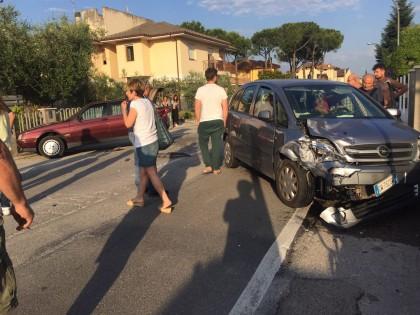 Tamponamento tra auto. Un ferito lieve