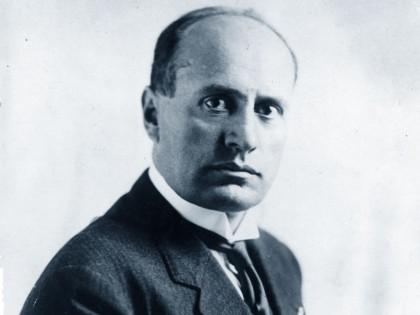 Revocata la cittadinanza onoraria a Benito Mussolini, Forza Nuova si congratula