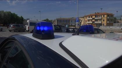 I carabinieri di Ostra fermano un'auto per un controllo, era stata rubata a Fano