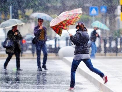 Maltempo: allerta meteo, venti forti e piogge su centro Italia