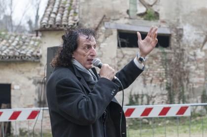 Massimo Bini a casa di Fabio Tombari presenta la mostra di Centrale Fotografia