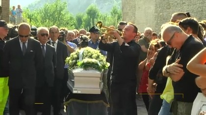 Intero paese in lacrime per l'addio a Ismaele Lulli – VIDEO