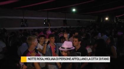 Notte Rosa, migliaia di persone affollano la città – VIDEO