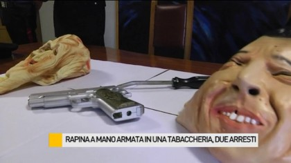 Rapinarono una tabaccheria armati di taglierino, arrestati – VIDEO
