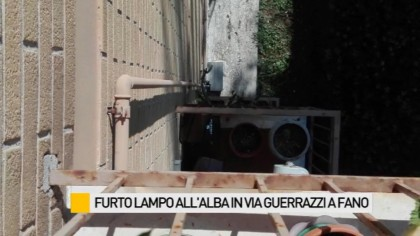 Furto lampo, si arrampicano fino al terzo piano e rubano mentre i proprietari dormono – VIDEO
