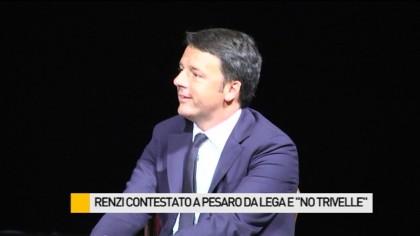 """Il Premier Renzi contestato a Pesaro da Lega, """"No trivelle"""" ed alcuni insegnanti – FOTO – VIDEO"""