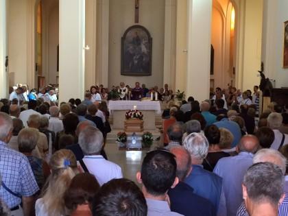Chiesa gremita per l'addio a Mario Zengarini