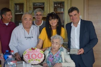 Maria Alessandrini spegne 100 candeline con il sindaco Seri