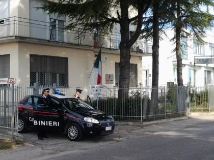 Vendeva merce contraffatta, arrestato un marocchino