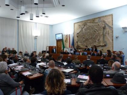 Fusione, parere favorevole del consiglio comunale di Pesaro