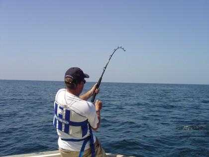 Arriva la proposta di una tassa per i pescatori sportivi, 10-20 euro l'anno