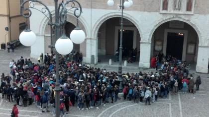 A scuola è freddo ! Gli studenti scendono in piazza