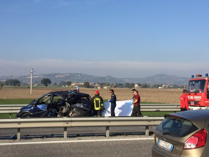 Incidente in Superstrada. Grave una ragazza di 22 anni – VIDEO
