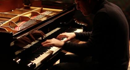 Il pianista Marzocchi in concerto al Teatro della Fortuna ricordando Nello Maiorano