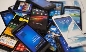 Truffe: acquistava smartphone intestandoli ad alberghi. Denunciato 40enne