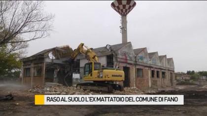 Raso al suolo l'ex mattatoio comunale – VIDEO