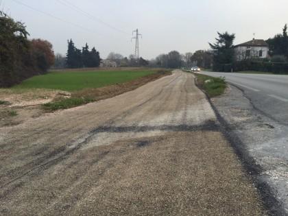 Lavori di asfaltatura sulla ciclabile Fano-Fenile, in piazzale pucci e in strada comunale delle Cerquelle