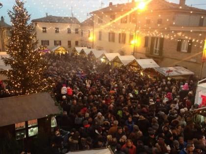 """Chiusura spettacolare di """"E' Natale – Mombaroccio in Festa"""" con oltre 30 mila visitatori"""
