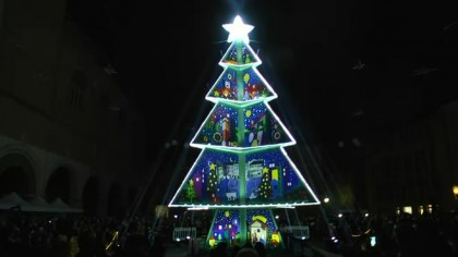 Accensione albero di Natale in Piazza XX Settembre a Fano – VIDEO