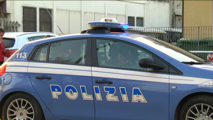 Polizia recupera bottino da furti auto in sosta vicino a discoteca