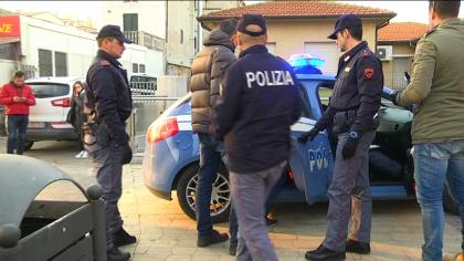 Blitz della Polizia alla stazione ferroviaria di Fano – VIDEO