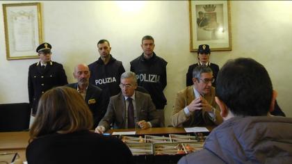 Controlli straordinari di polizia, denunciati due campani per furto