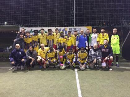 Profughi africani scendono in campo per il Campionato Invernale di Calcio a 5