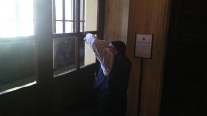 Bomba carta fatta esplodere in consiglio comunale a Senigallia