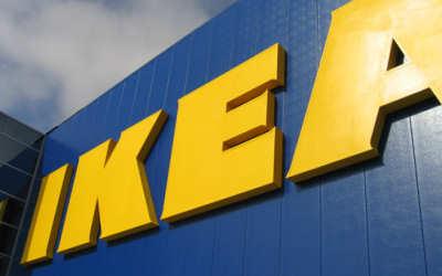 Auto sospetta nel parcheggio Ikea, arrivano gli artificieri