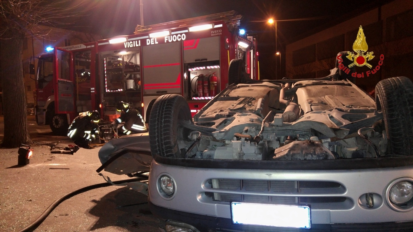 incidente-curvone-pesaro-fanotv (4)