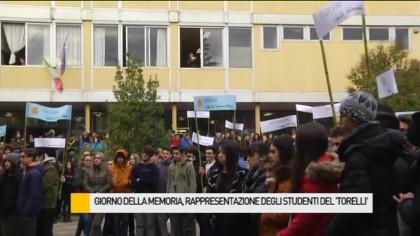 """Giornata della Memoria, rappresentazione degli studenti del """"Torelli"""" – VIDEO"""