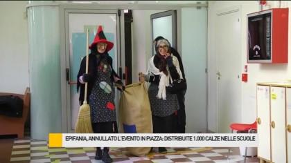 La Befana distribuisce 1.000 calze ai piccoli studenti fanesi – VIDEO