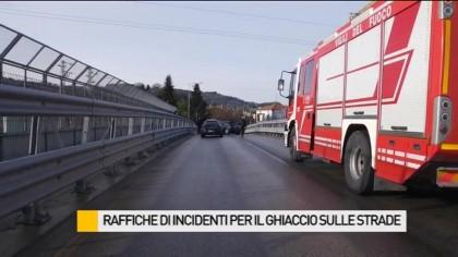 Raffica di incidenti per il ghiaccio sulle strade – VIDEO