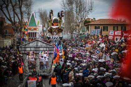 In 60mila alla terza sfilata del Carnevale di Fano