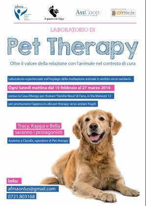 """Terapia con animali per le persone anziane della casa-albergo """"Familia Nova"""""""