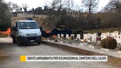 Gente arrabbiata per le esumazioni al cimitero dell'Ulivo – VIDEO