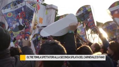 Traffico in tilt e palchi esauriti, altra domenica da record per il Carnevale di Fano – VIDEO