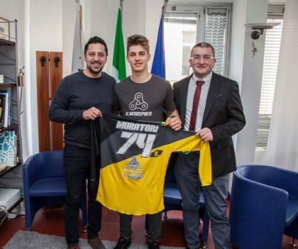 Il campione di Supercross Francesco Muratori ricevuto dal presidente della Provincia