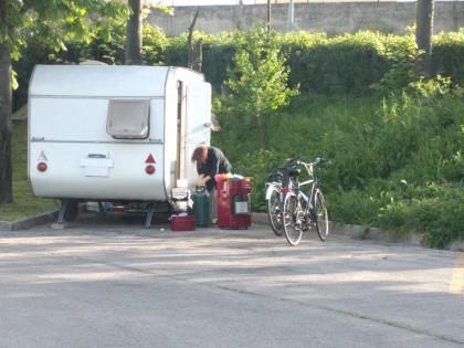 """Parcheggio camper di viale Kennedy, Conter (FdI-An): """"E' in completo degrado"""" – FOTO"""