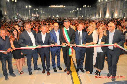Senigallia, in migliaia per l'inaugurazione della nuova piazza Garibaldi