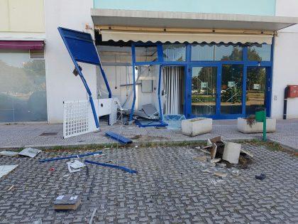 Colpo del venerdì notte al Bancomat di Bellocchi di Fano (foto e video)