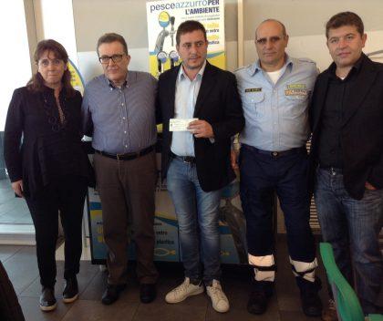 Delegazione di Arquata del Tronto riceve assegno solidarietà da Pesce Azzurro