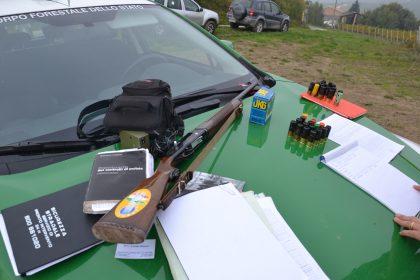 Attività venatoria, la Polizia individua cacciatore senza licenza e con richiami illegali.