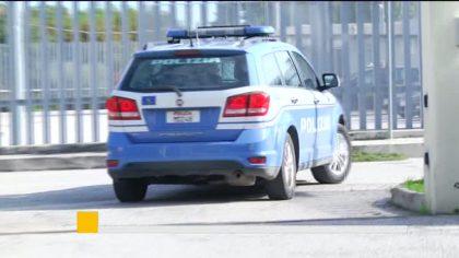 Guida con il cellulare, la Polizia di Pesaro aumenta i controlli – VIDEO