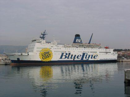 Sequestrata ad Ancona nave 'Regina della Pace'