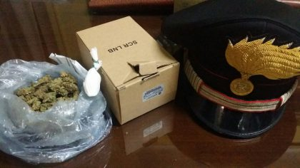 Vende droga on-line, arrestato dai Carabinieri